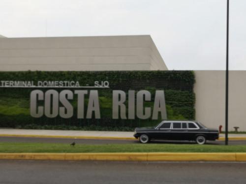 Terminal-Domestica-SJO.-COSTA-RICA-MERCEDES-300D-LIMOUSINE-AIRPORT-SERVICEcbe1179c3ce9e027.jpg