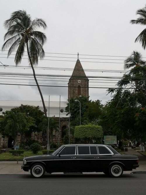 La Catedral de Nuestra Seora del Carmen  Puntarenas. COSTA RICA MERCEDES LWB W123 LANG
