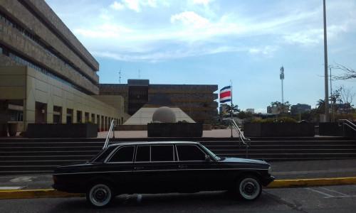 The-Supreme-Court-building-in-San-Jose-COSTA-RICA.-MERCEDES-300D-LANG-LIMOUSINA-TOURS64da17e47c67cbae.jpg