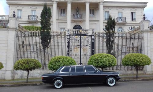 vintage-mansion-los-yoses-COSTA-RICA-LIMOSINA-MERCEDES-300D-LANG712be13c096a6dbb.jpg